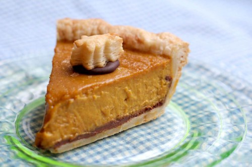 chocolate pumpkin pie1 500x332 Thanksgiving Pie Class for the pie lady/feller in all of us