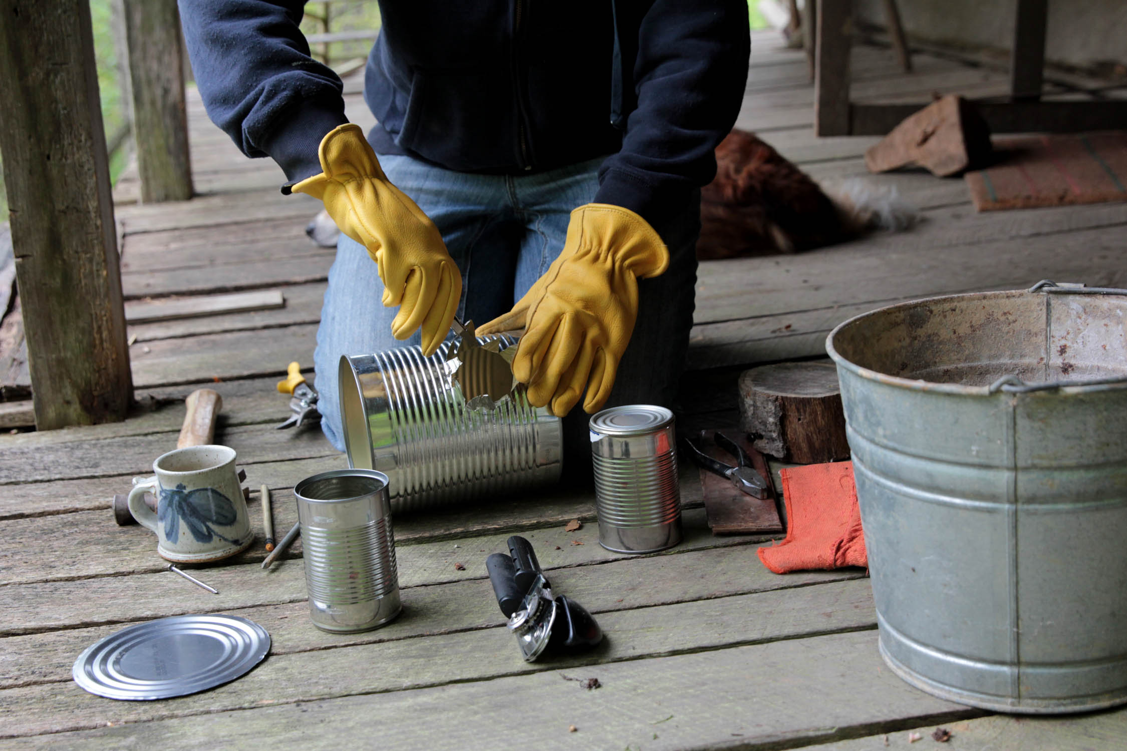 Rocket stove 4 log cabin cooking for Tin can rocket stove