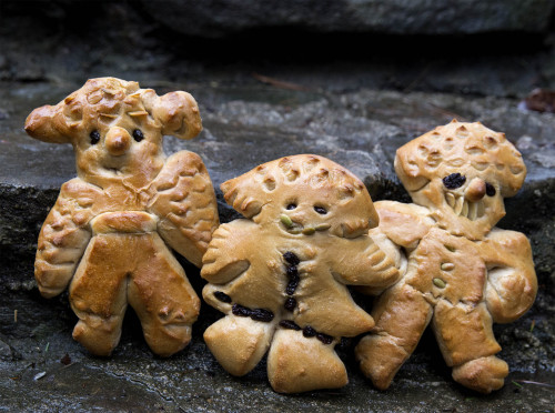 St nik with teeth 500x372  Goofy St. Nik holiday breads