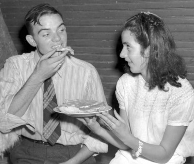 pie supper couple