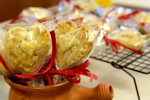 Valentine's day pie pops